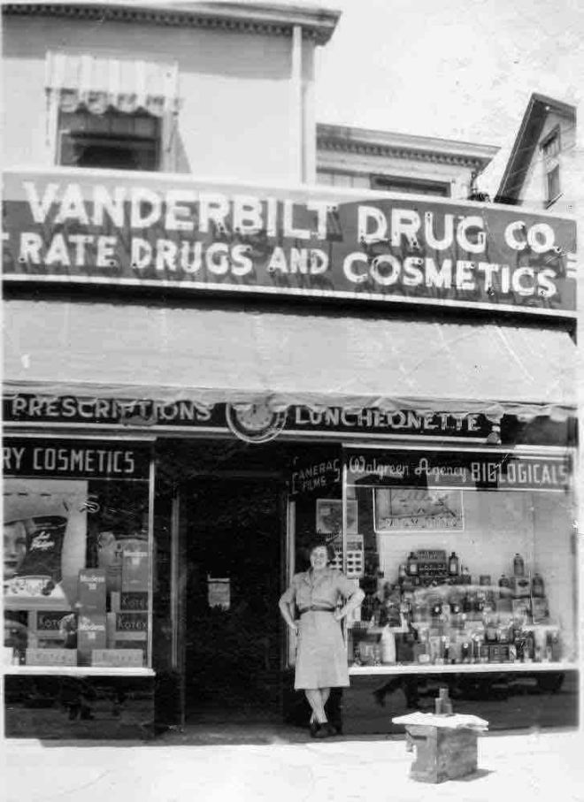 vanderbilt-drug-store-farmington-ave-west-hartford-ct-between-walkley-road-and-vanderbilt-road-circa-1940-copy-4